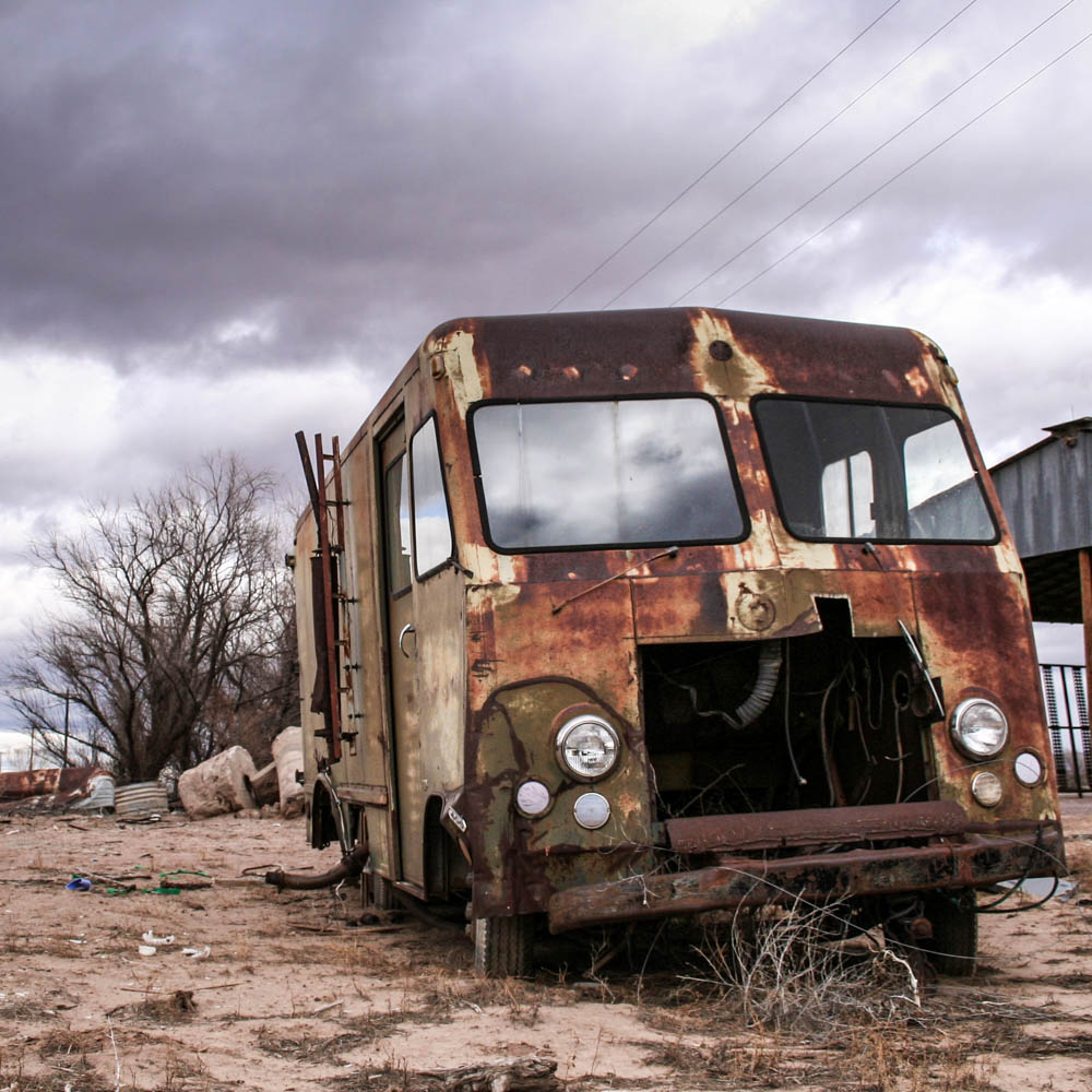 Photo: Abandoned truck in a wasteland, San Antontio, New Mexico, 1 of 4